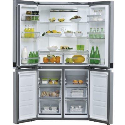Obrázek otevřené lednice a jejího vnitřního uspořádání